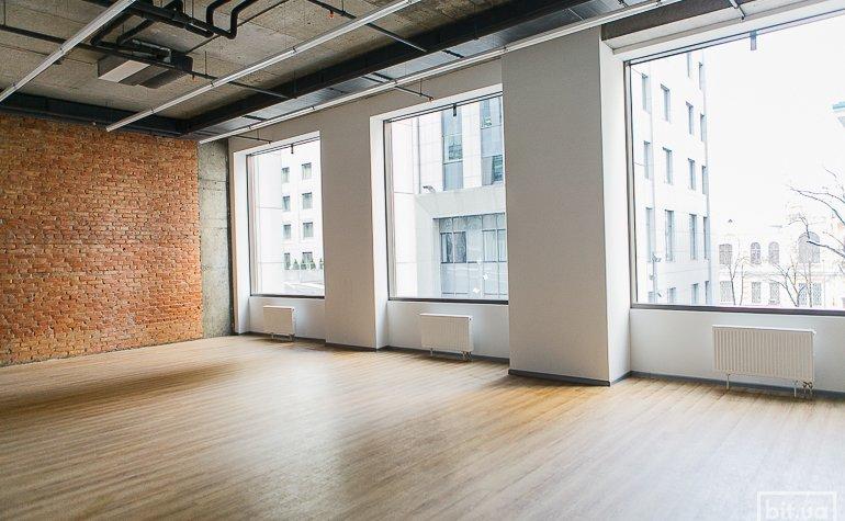 Зал йоги – самый большой в FIZMAT